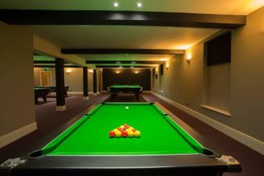 Pool & Snooker Club